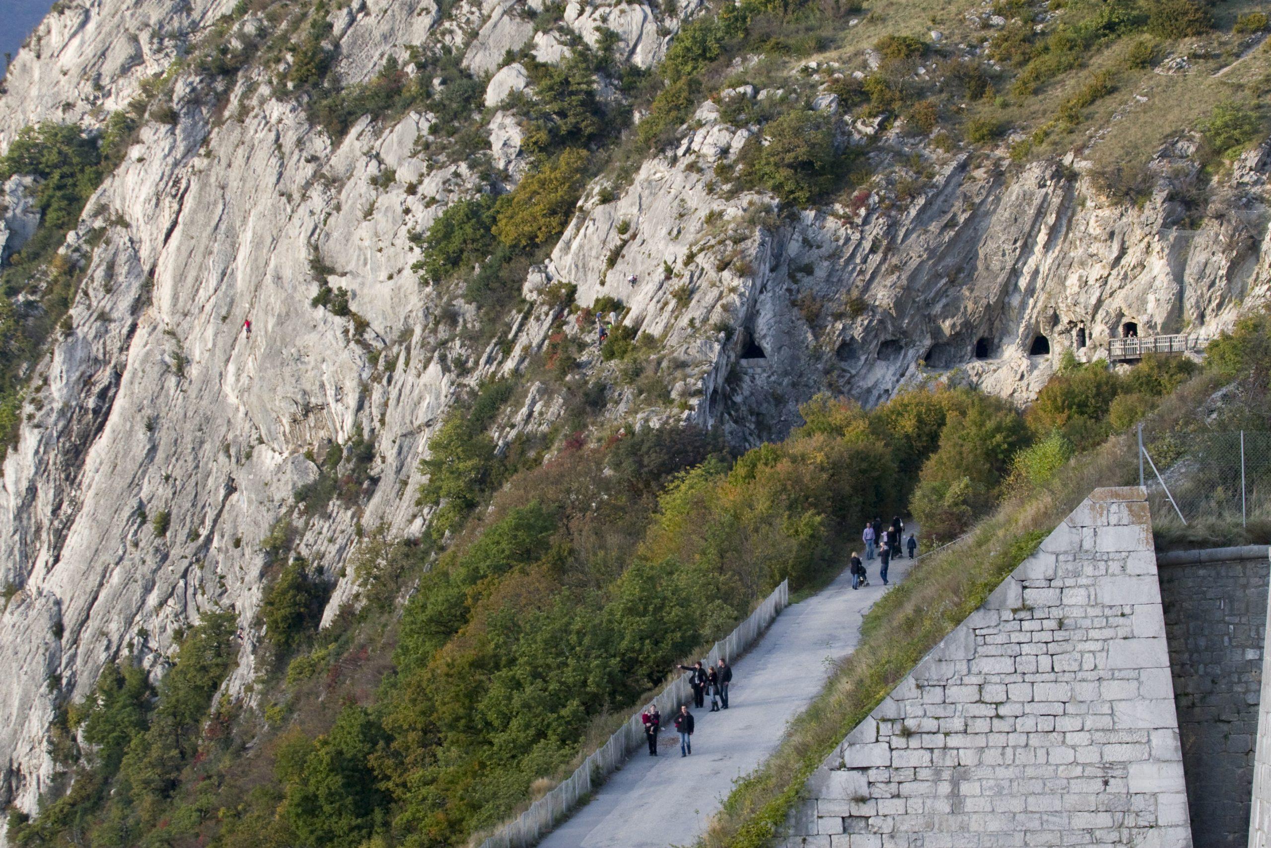 Sentiers parcours sportifs téléphérique Grenoble Bastille