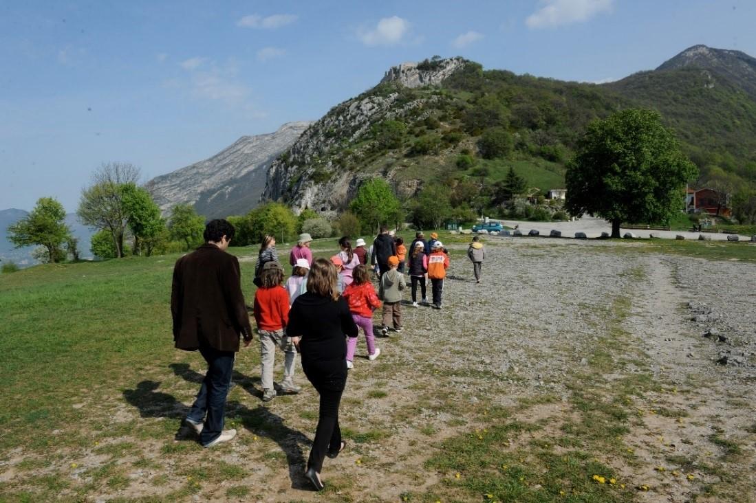 Activité groupe scolaire centre de loisirs téléphérique Grenoble